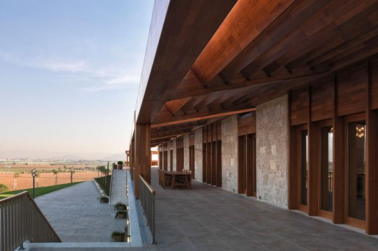cn_image_1.size.kreatif-architects-la-winery-turkey-01.jpg