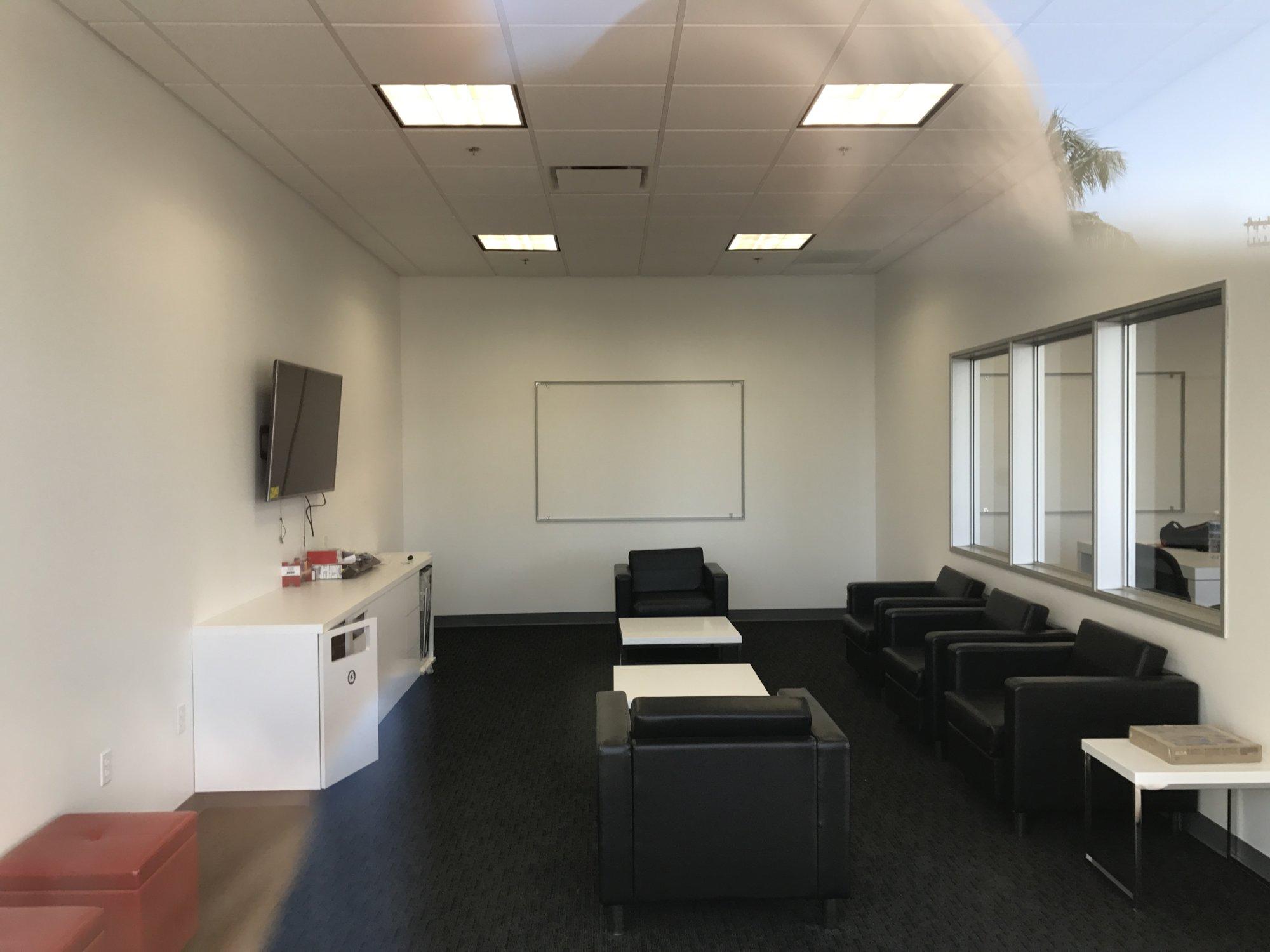 Customer Lounge.JPG