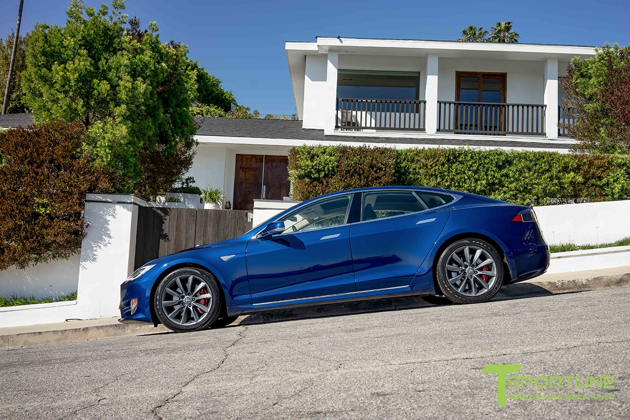 deep-metalic-blue-tesla-model-s-metallic-grey-19-inch-wheels-tst-02.jpg