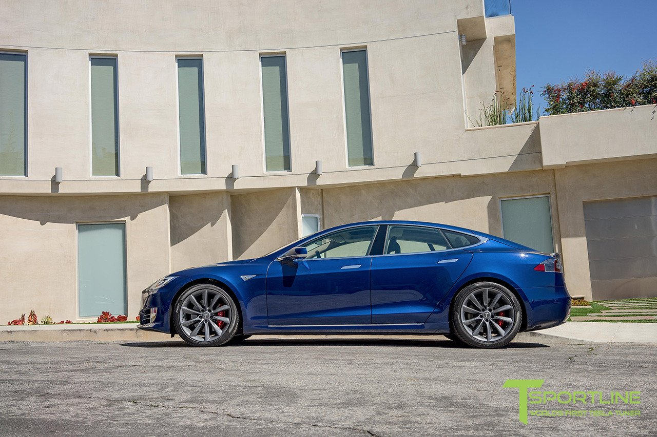 deep-metalic-blue-tesla-model-s-metallic-grey-20-inch-wheels-tst-02.jpg