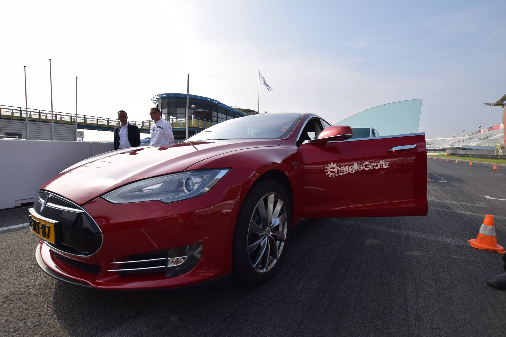 Eigen Tesla op TT-Assen.jpg