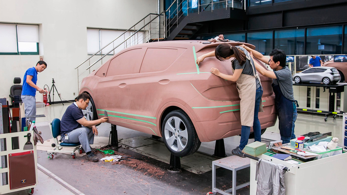 ff_chevybolt-making_model.jpg