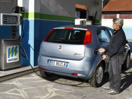 fiatcngrefuel-466x350.jpg