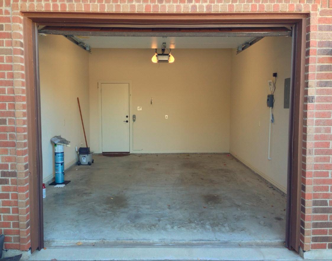 garage front view.jpg
