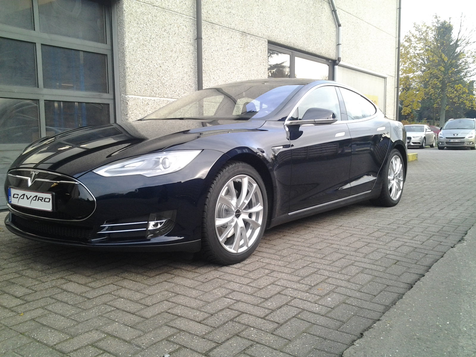 Genesis Volt - Tesla S.jpg