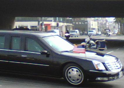 gompertz_obama_motorcade_cu.jpg