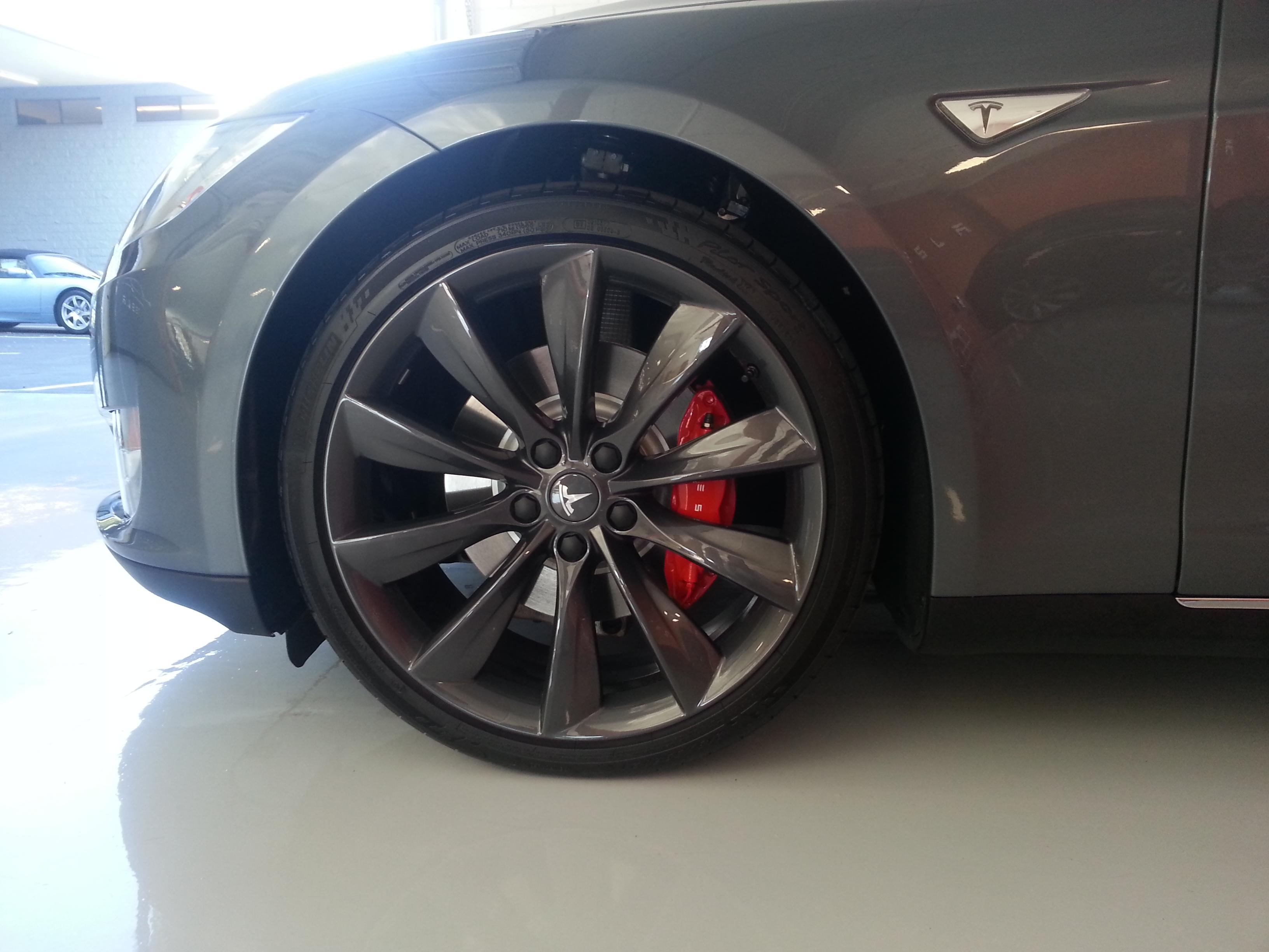 grey w red caliper 1.jpg