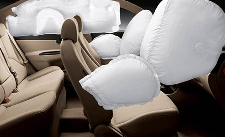 heap_skates_2006_hyundai_accent_gls_driver_and_passenger_airbag_deployment_image_0011_cd_gallery.jpg