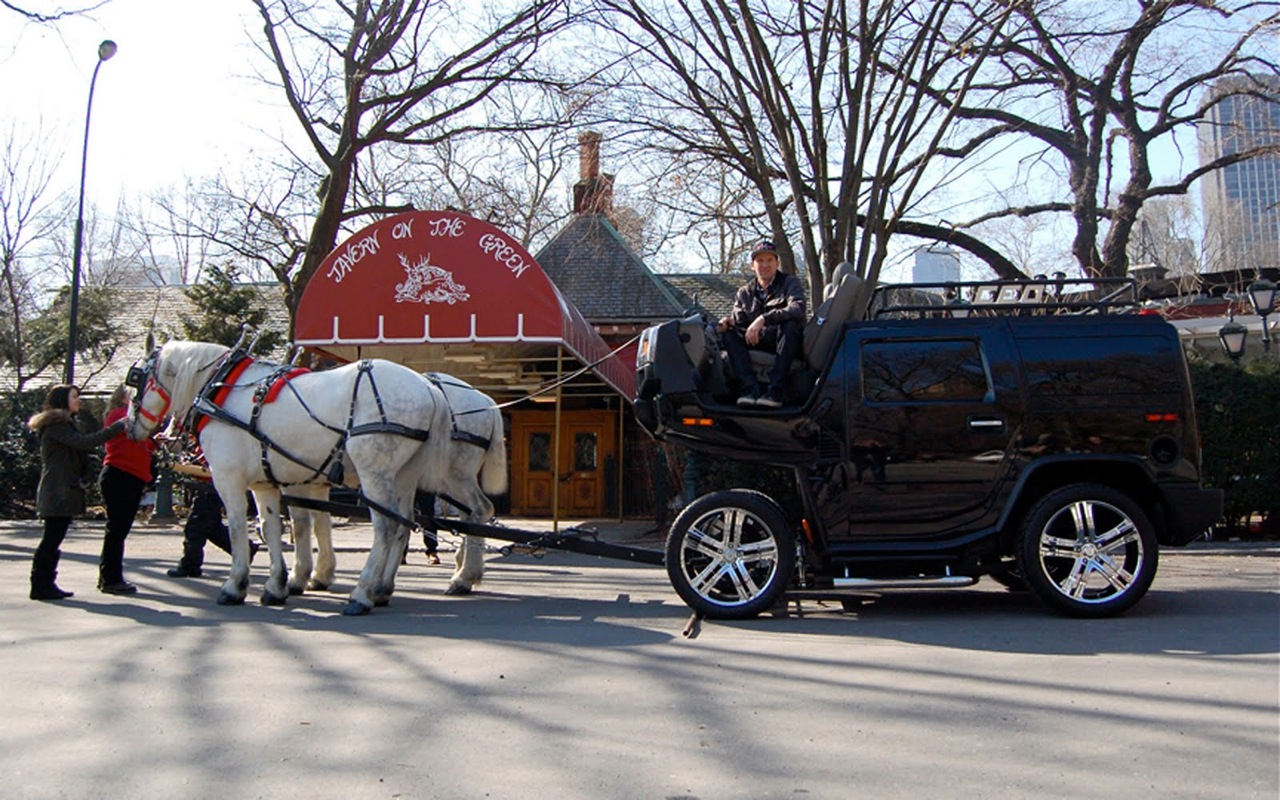 hummer_h2_horse_carriage_image_3.jpg