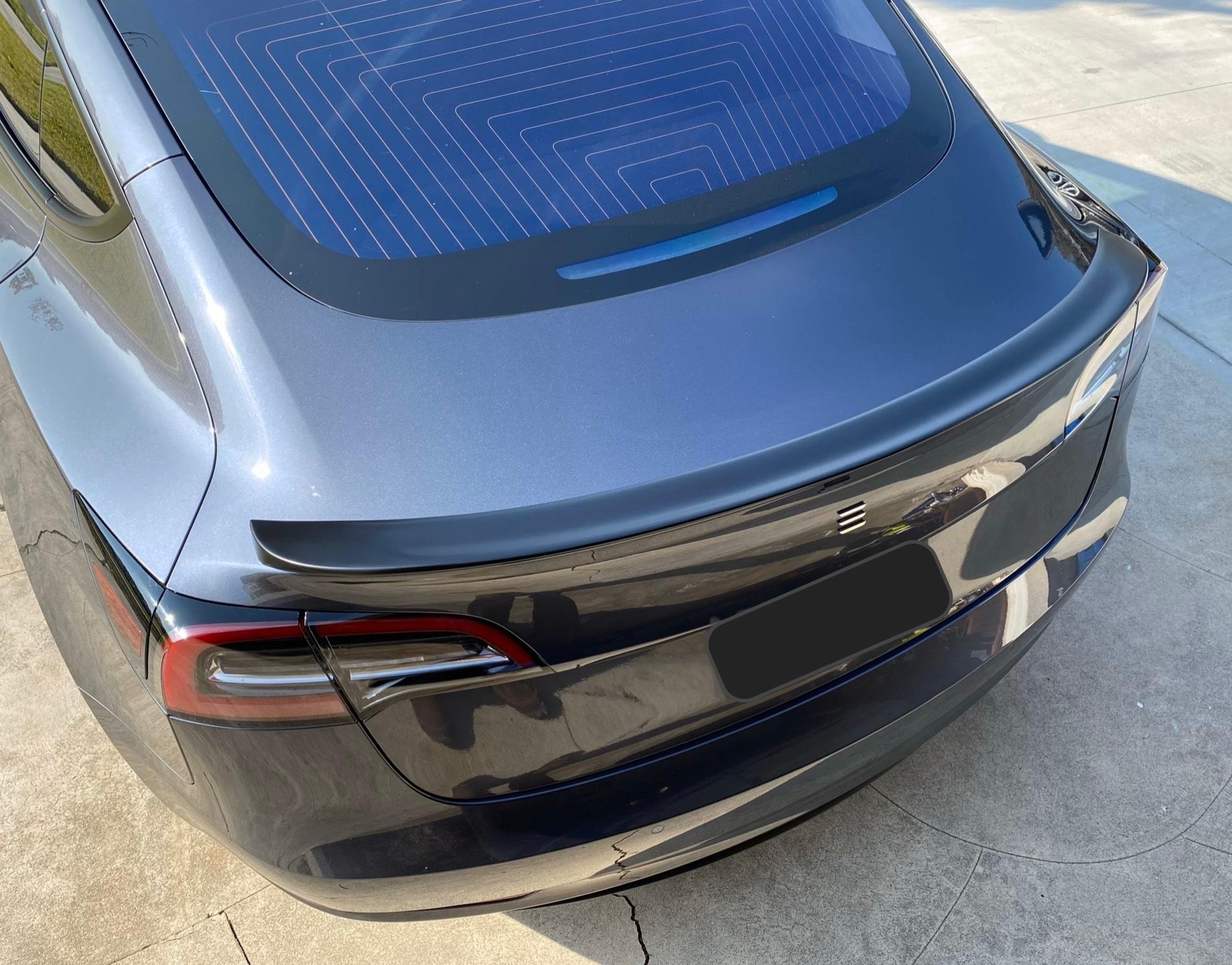 IKON Spoiler for Model 3 (4).jpg