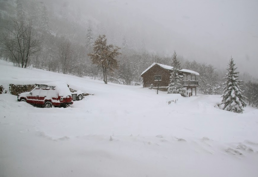 Jeep in Snow-sm.jpg