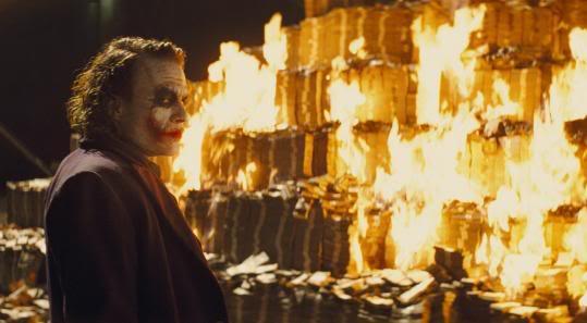 joker-burning-money-in-tdk.jpg
