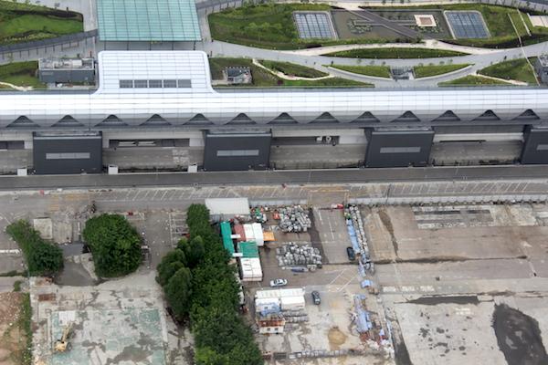 Kai Tak Ocean Terminal 12-7-2014 - closer look.JPG