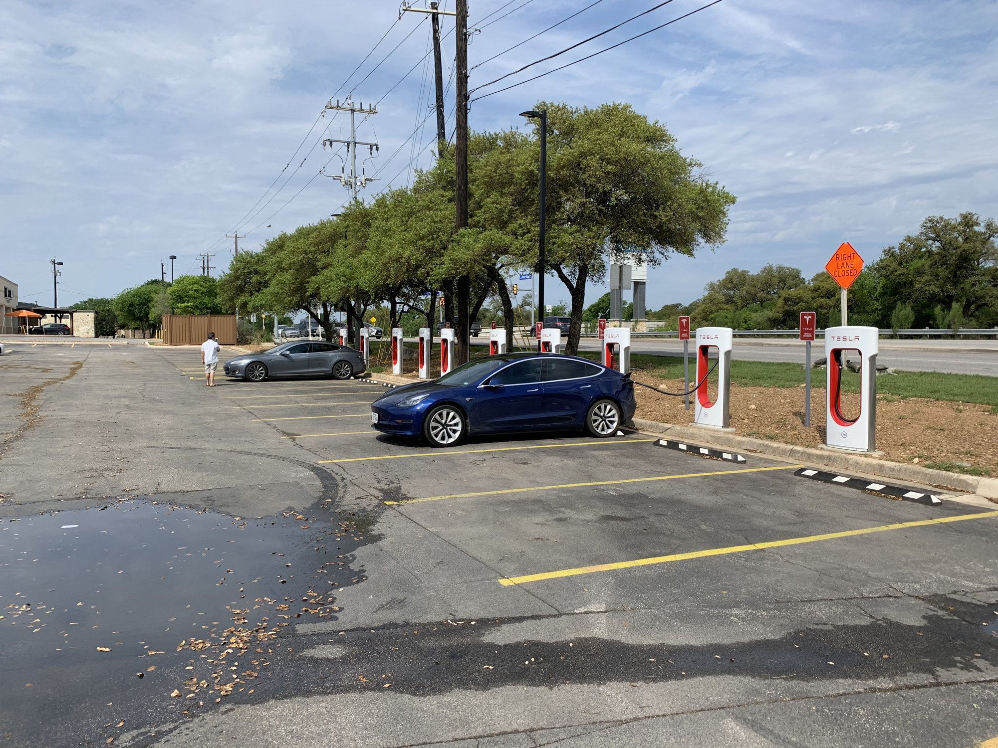 Leon Springs Tesla Super Charger.jpg