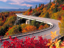 Linn_Cove_Viaduct_in_the_Fall.jpg