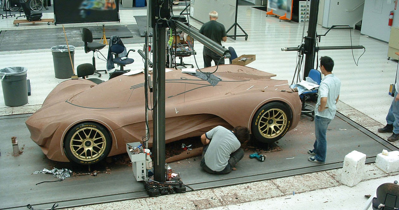 Mazda-Furai-Clay-model-construction-lg.jpg