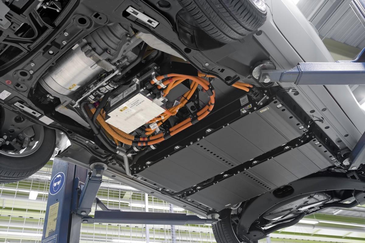 Mercedes-A-Class-E-Cell-1.jpg