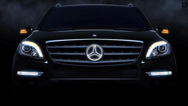 mercedes-benz-three-pointed-star-illuminated.jpg