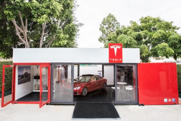 mobile-store-tesla_large.jpg