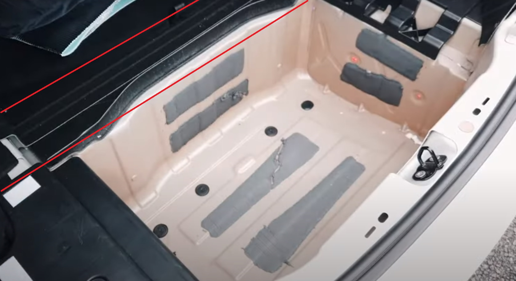 Model 3 - Trunk Cover Subtrunk Removed .jpg