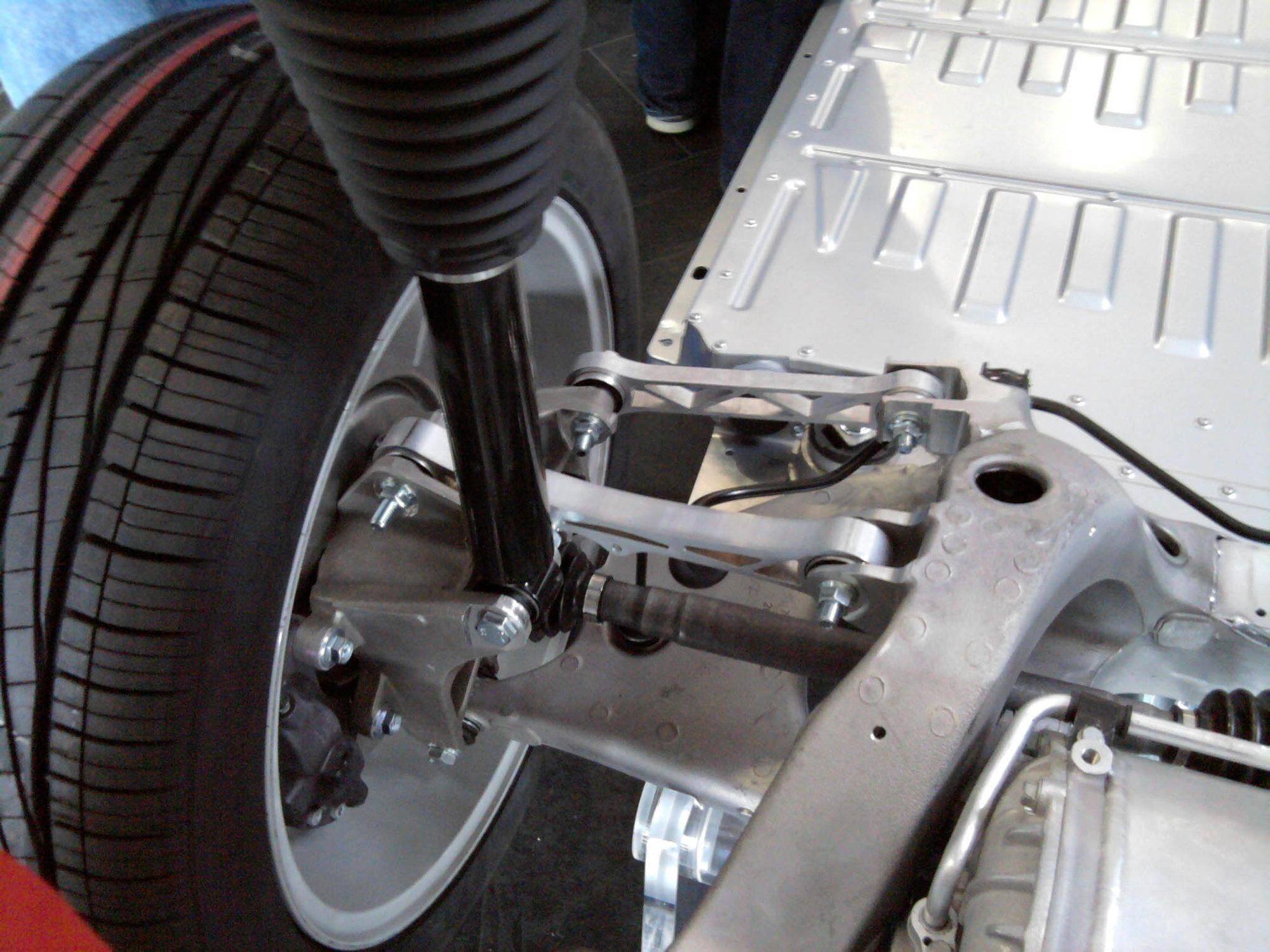 model-s-left-rear.jpg