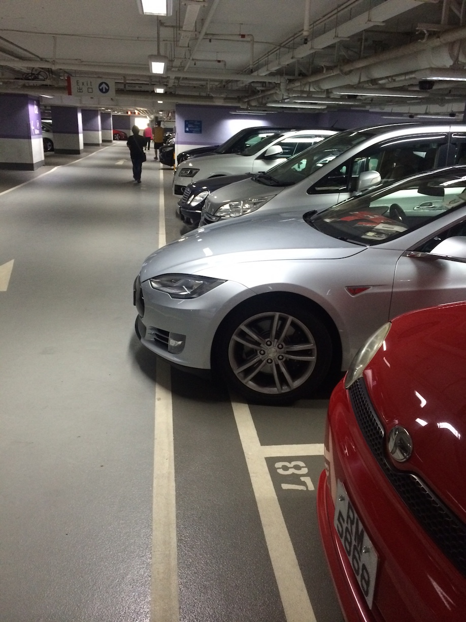 Model S too long for much of HK.JPG