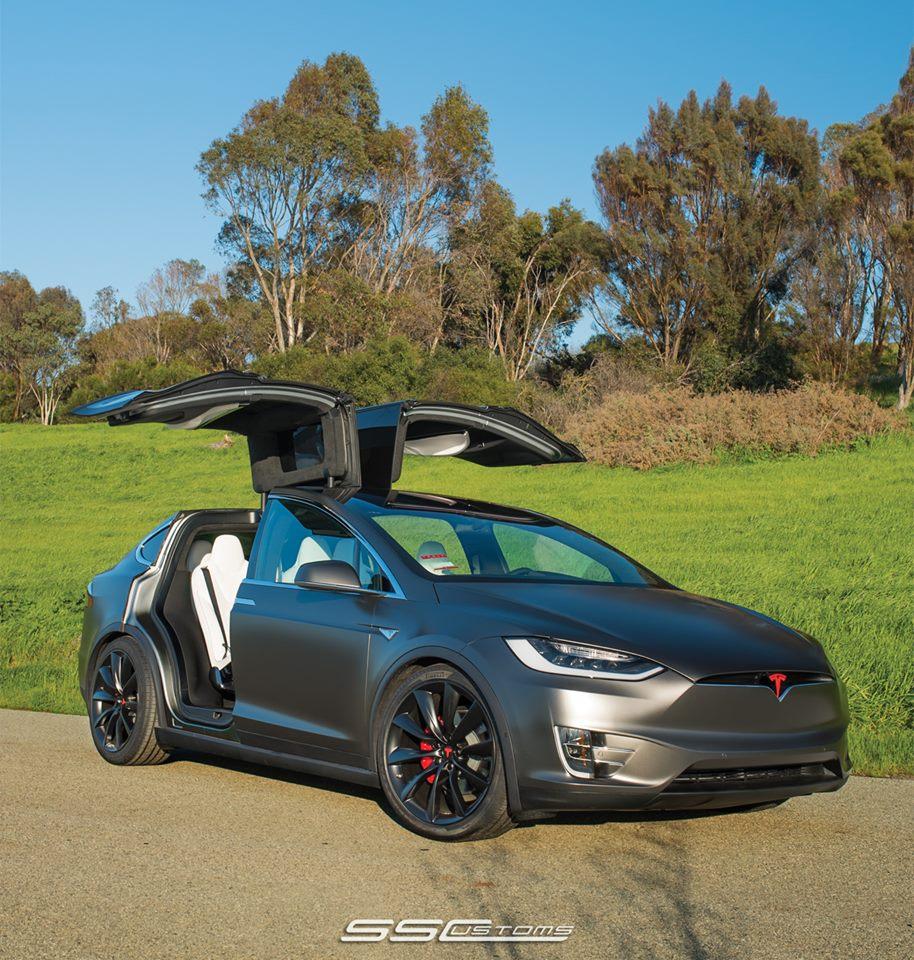 Model X - Satin Pearl Nero 3.jpg