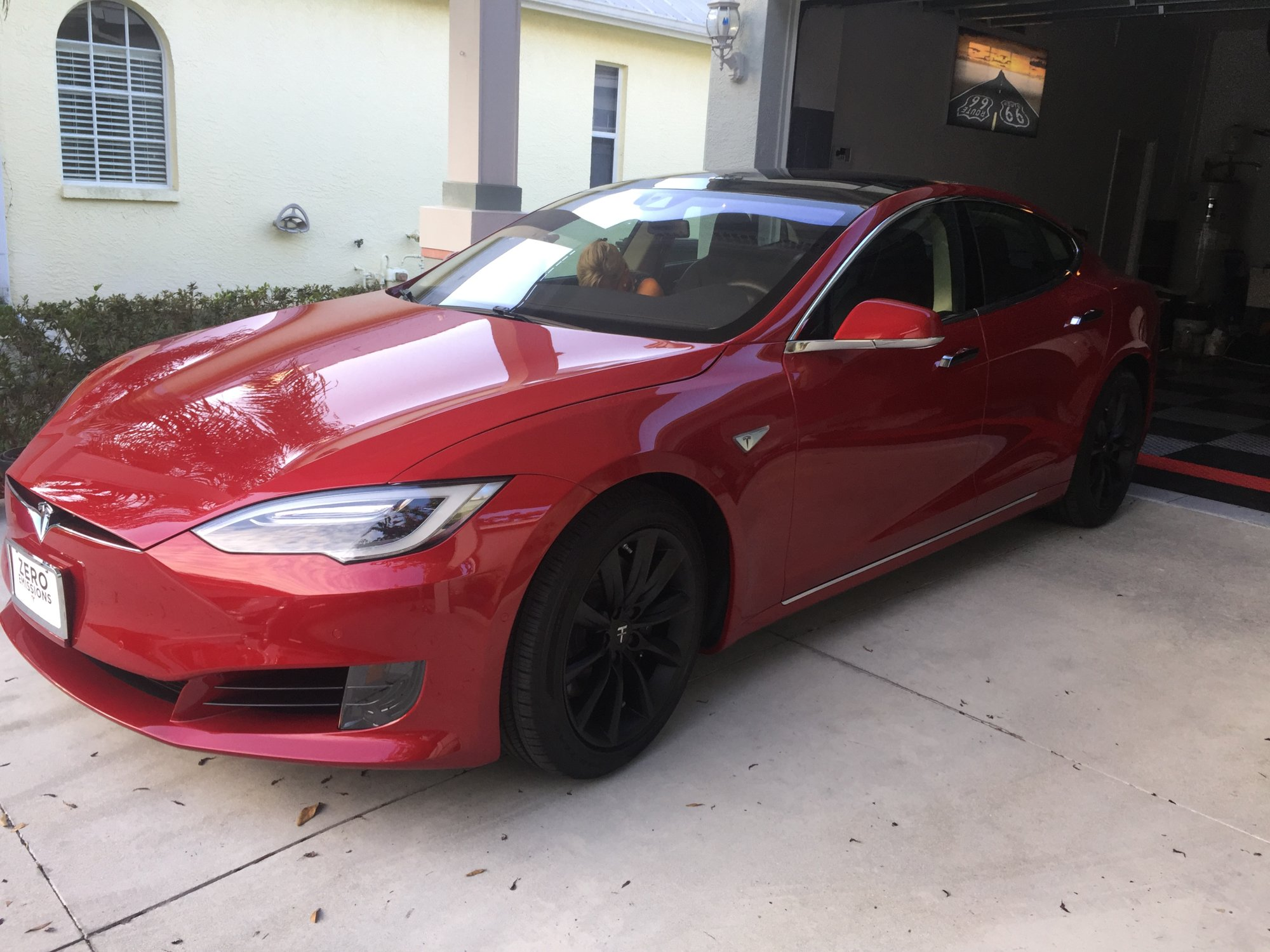 My Tesla Black Wheels.JPG