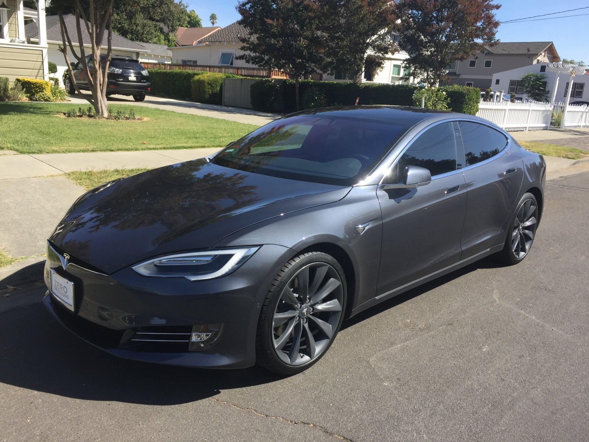 My Tesla New Tinted windows2  9-30-2107.jpg