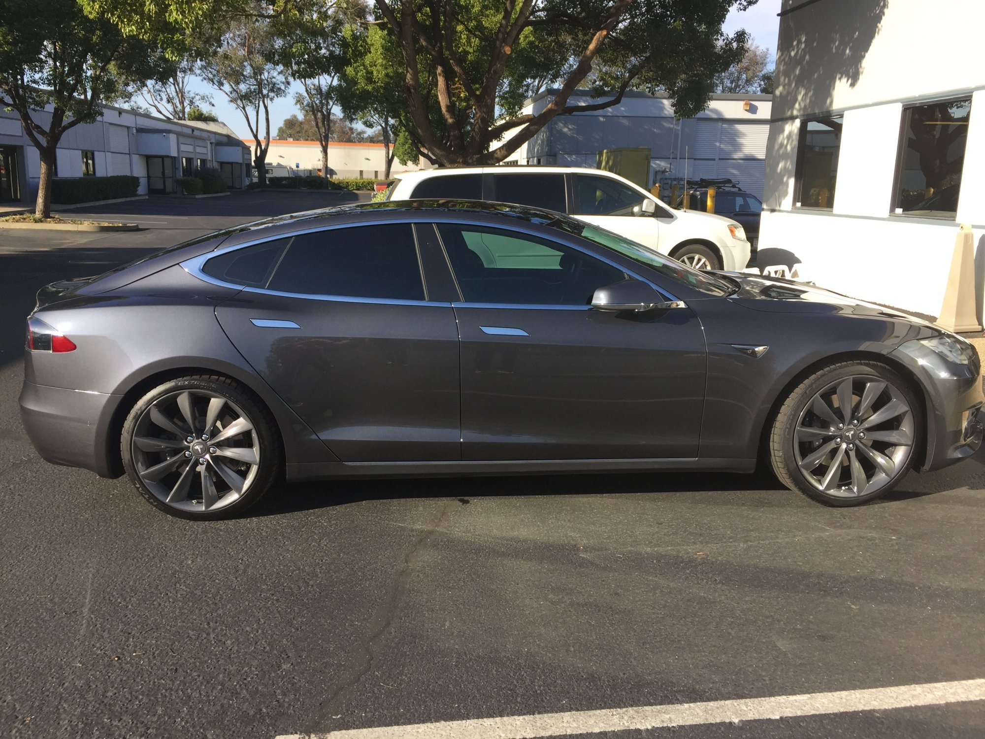 My Tesla New Wheels 21  9-30-2107.jpg