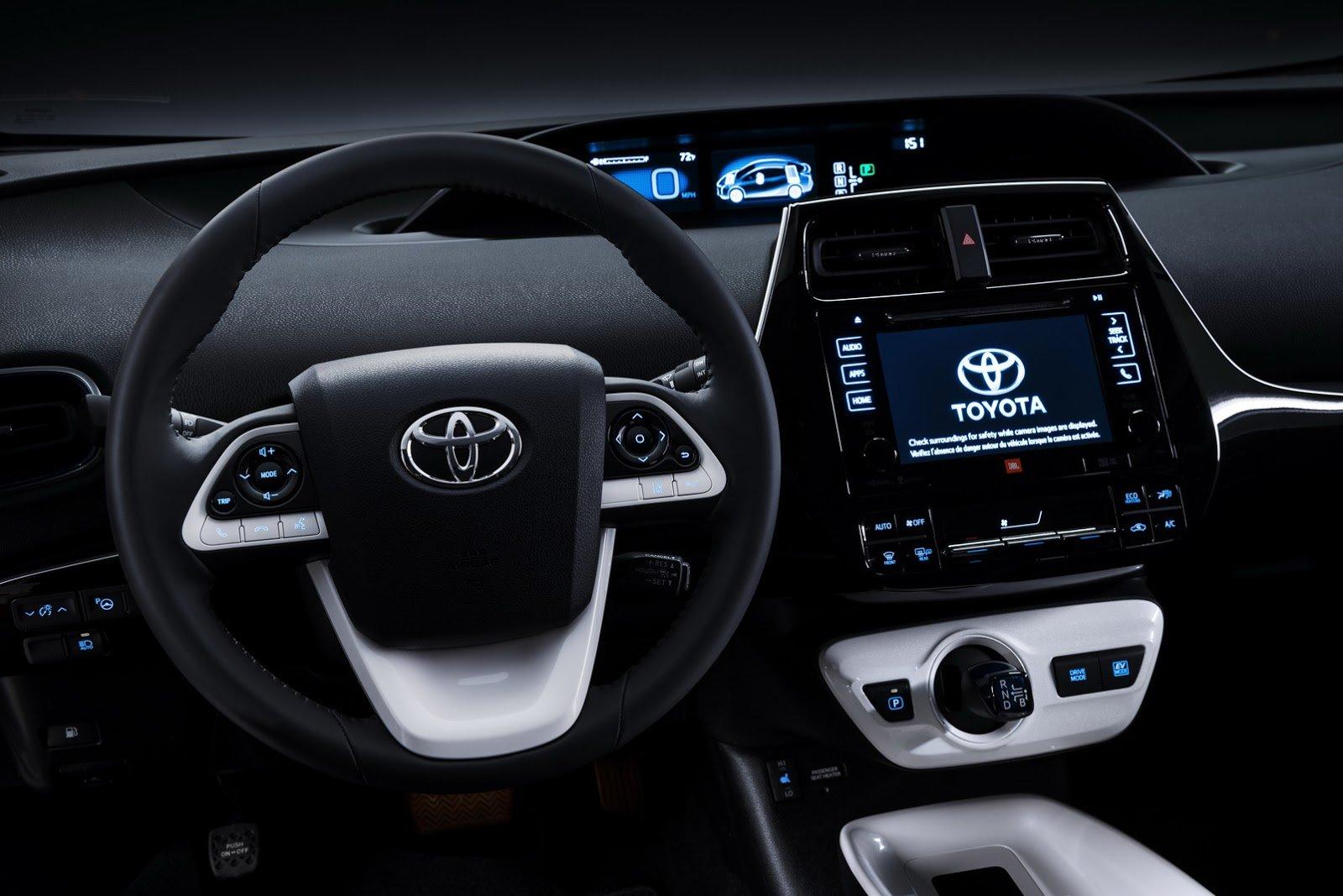 NA-2016-Toyota-Prius-5.jpg