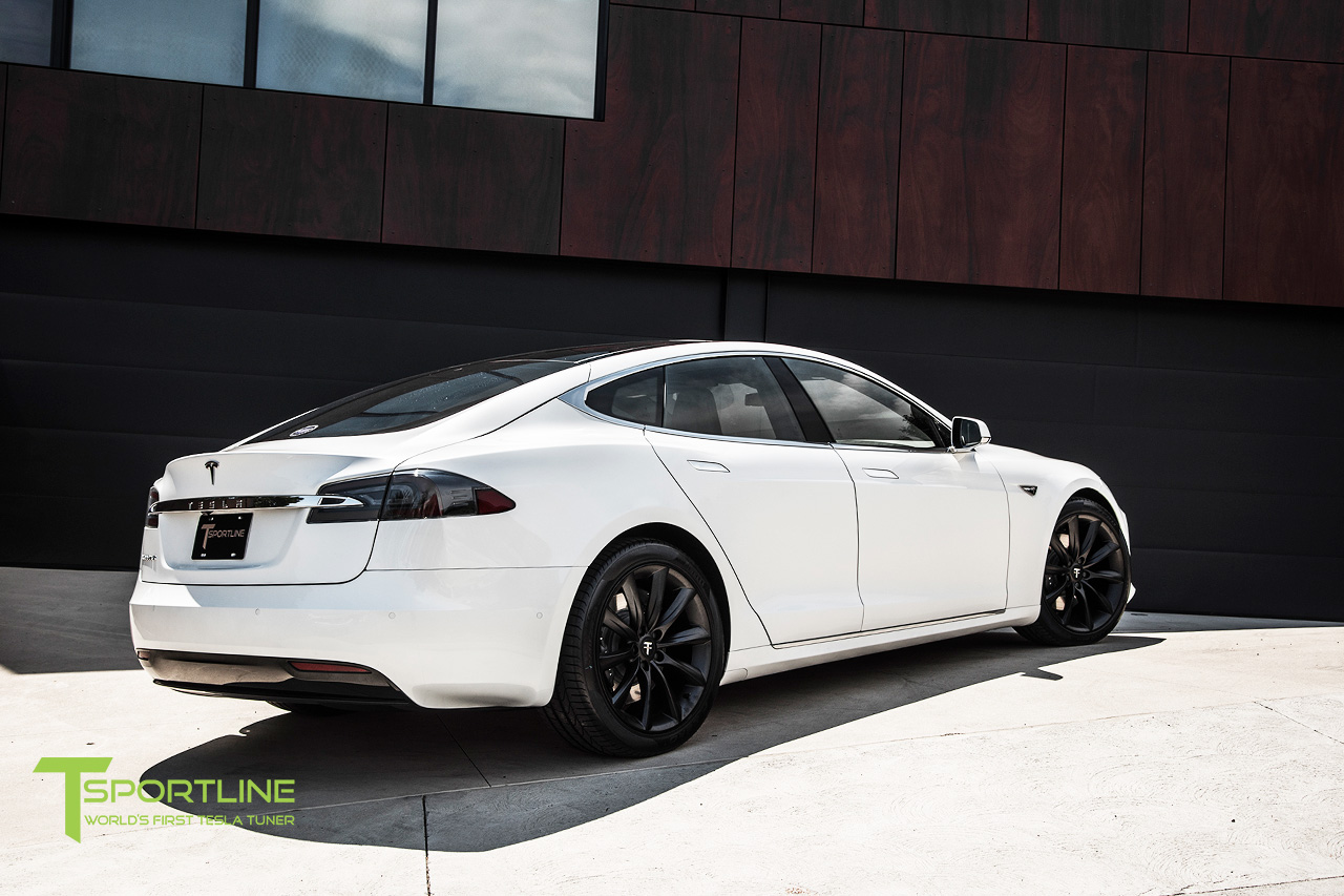 new-pearl-white-tesla-model-s-20-inch-wheel-tst-matte-black-7.jpg