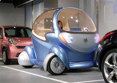 Nissan_Pivo.jpg