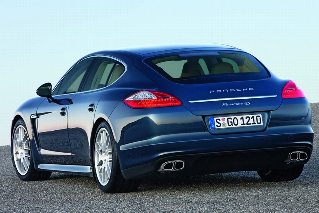 official-porsche-panamera-leaked-images_2.jpg