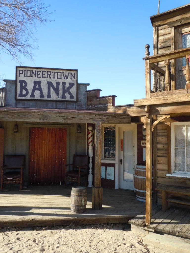 Old-Western-Bank.jpg