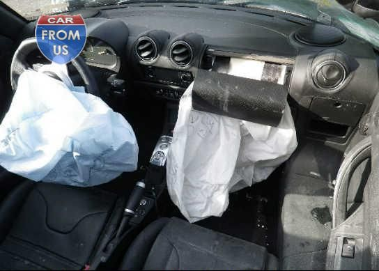 P0839-5YJRE1A33A1000839-airbags.jpg