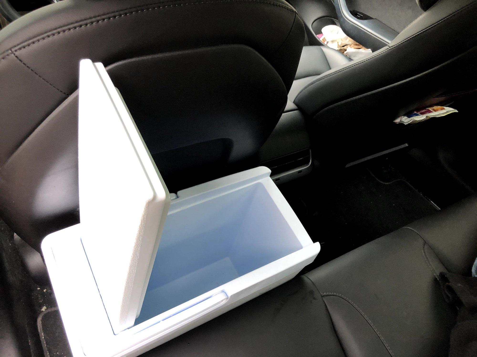 P20 door open behind seat.jpg