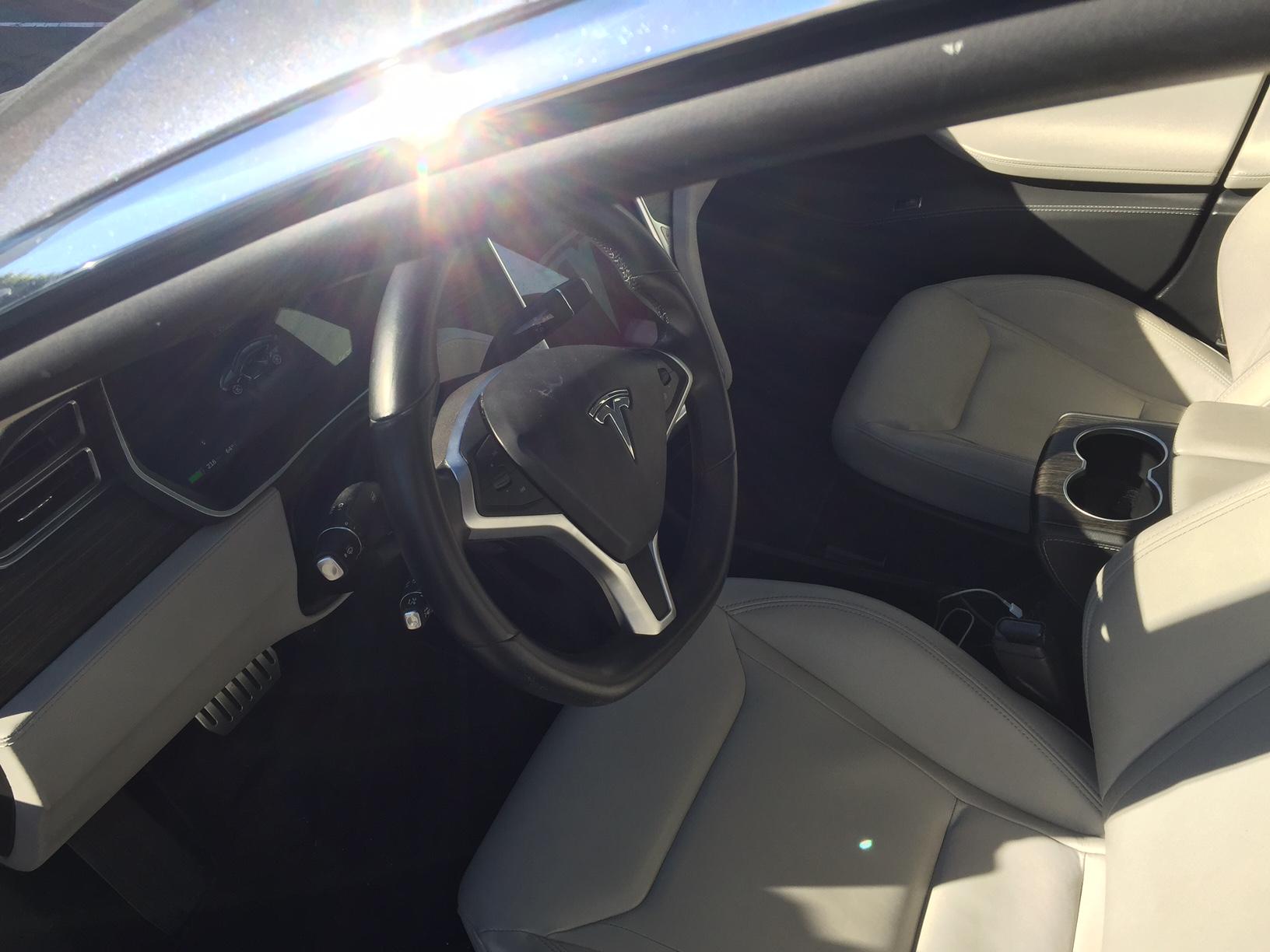 P85D interior1ForSale.jpg