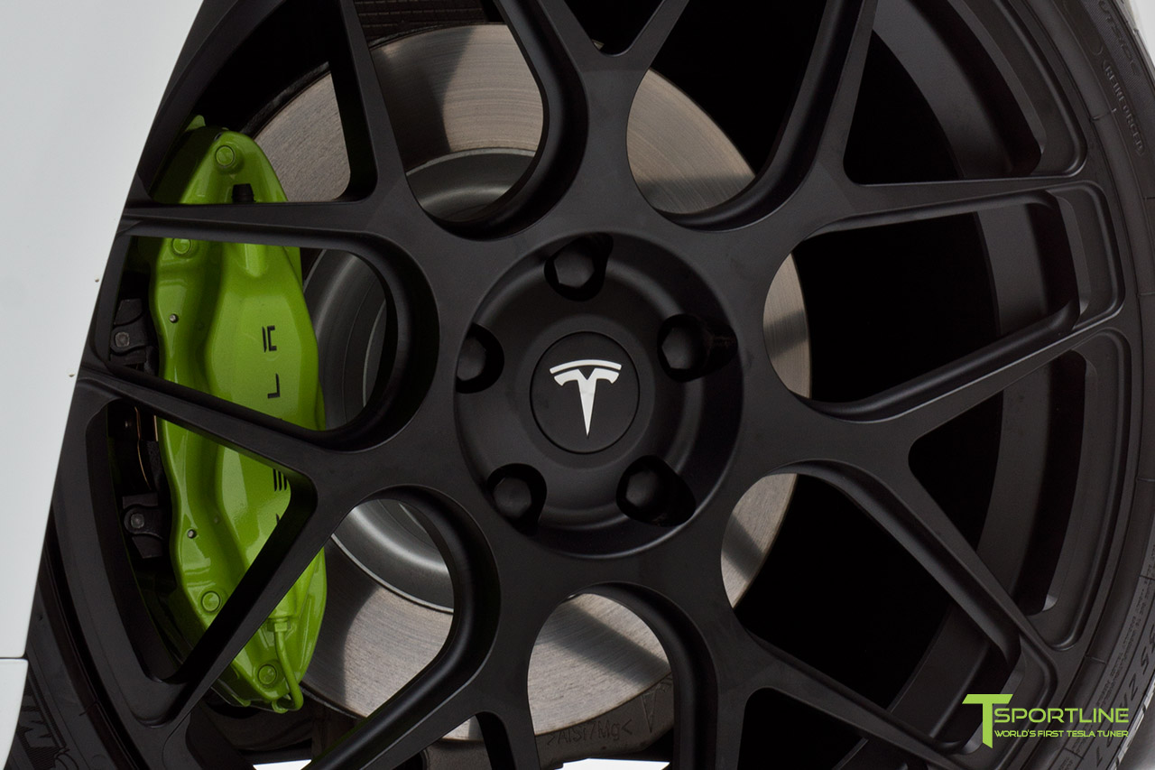 pearl-white-tesla-21-22-inch-mx117-ts117-lime-green-brake-calipers.jpg