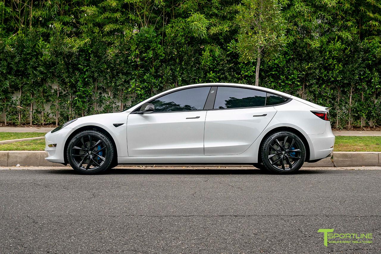 pearl-white-tesla-model-3-19-inch-tss-flow-forged-wheels-matte-black-rims-wm-2.jpg