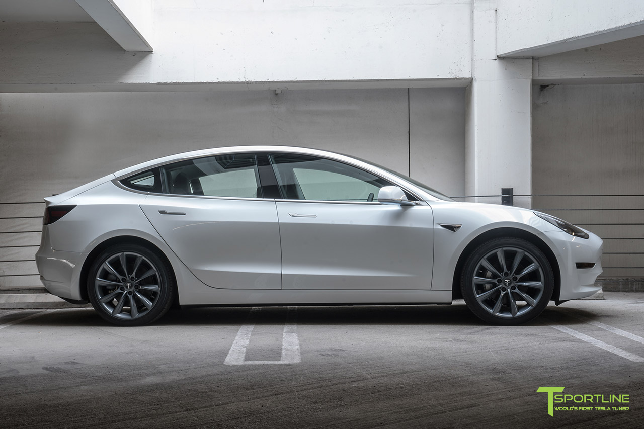 pearl-white-tesla-model-3-metallic-gray-grey-19-inch-tst-turbine-wheel-wm-2.jpg