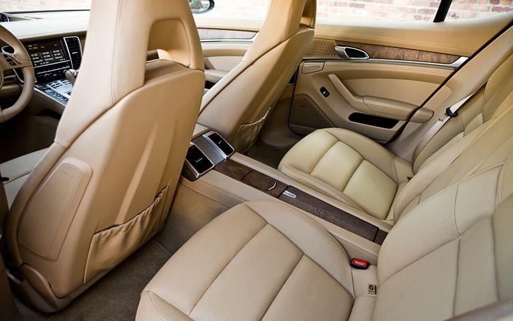 porsche_panamera_s+rear_interior.jpg