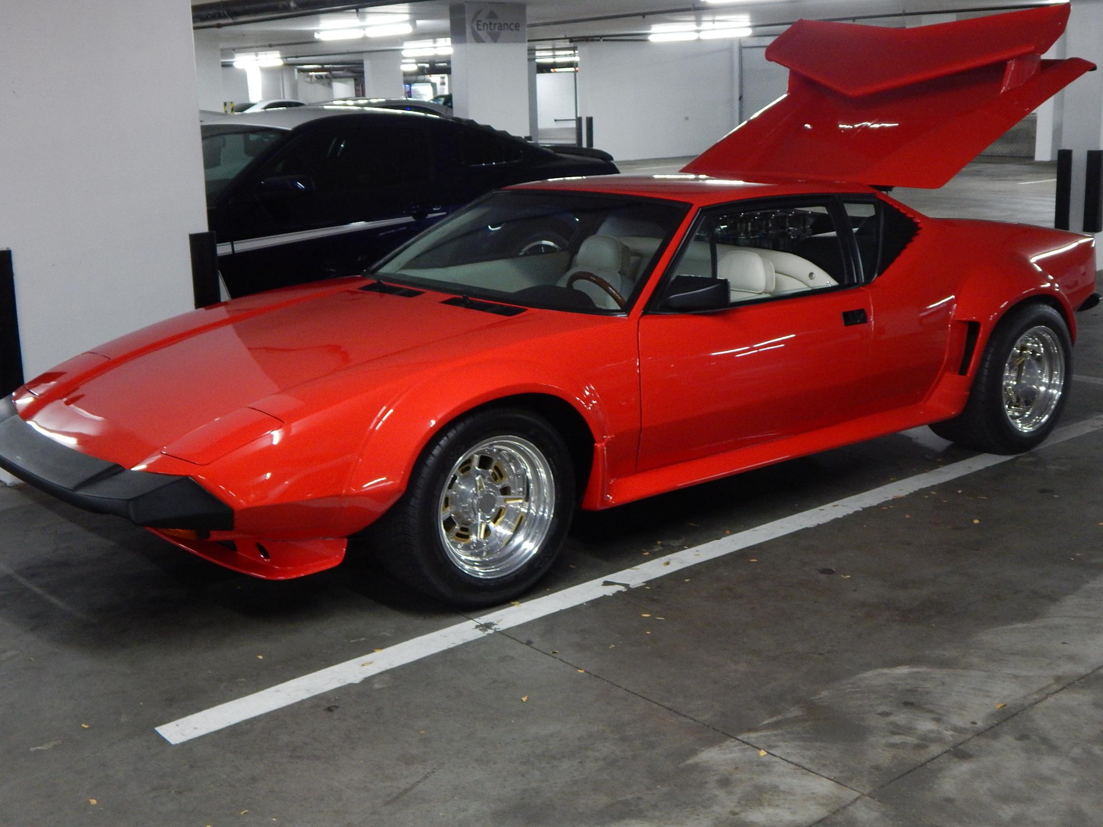 Red Ferrari_02.JPG