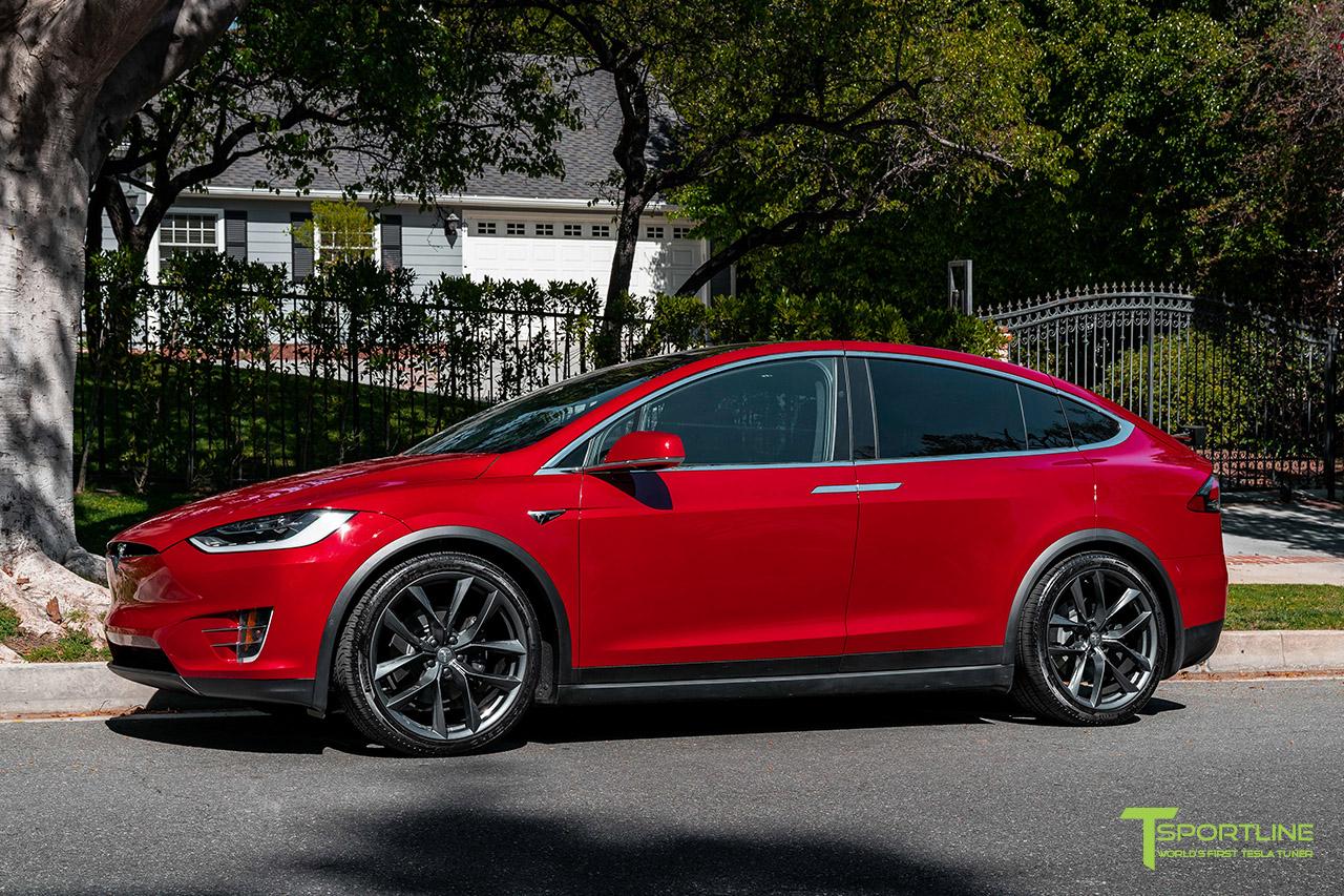 red-multi-coat-tesla-model-x-space-gray-22-inch-tss-flow-forged-wheels-arachnids-wm-1.jpg