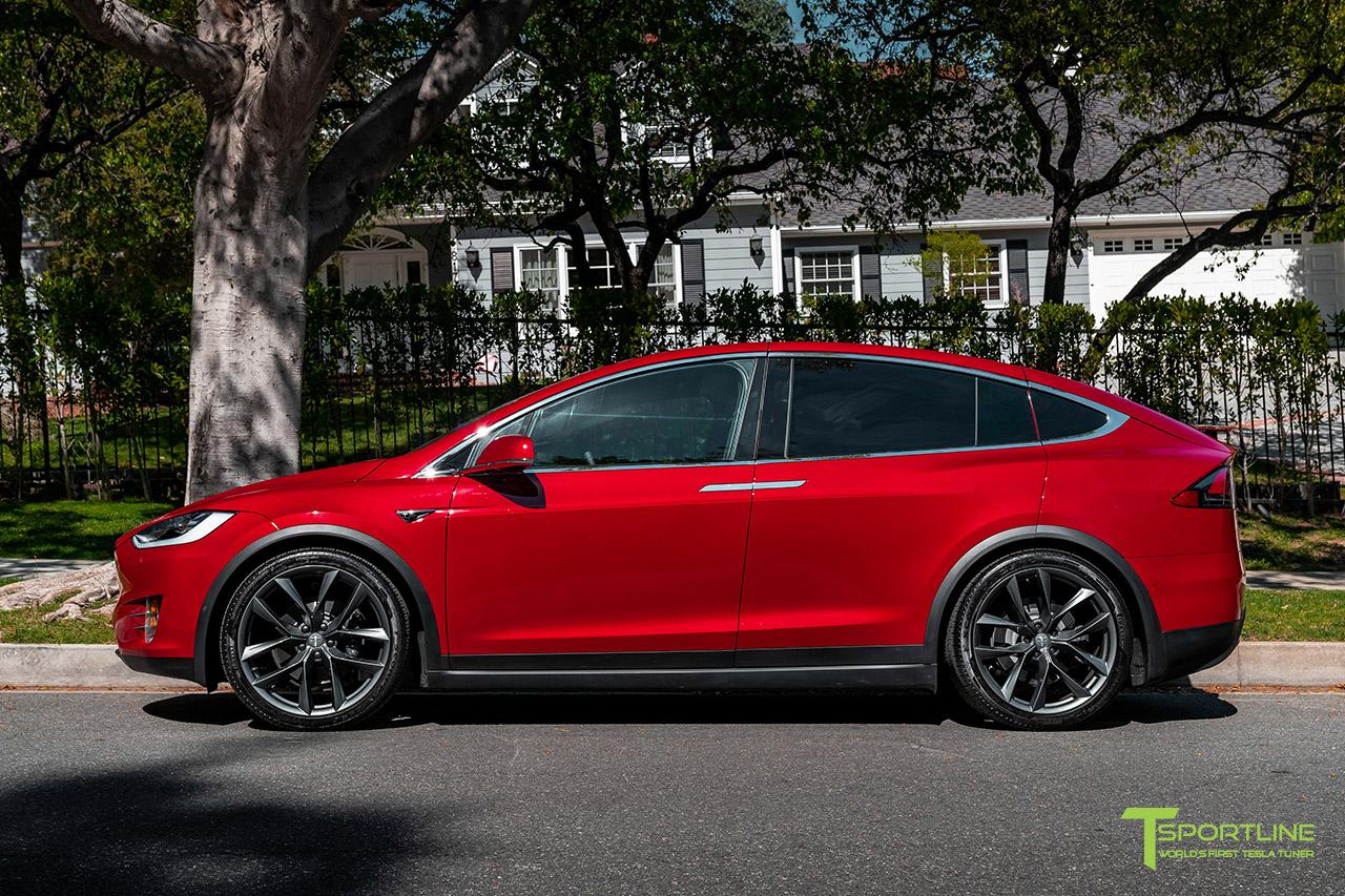 red-multi-coat-tesla-model-x-space-gray-22-inch-tss-flow-forged-wheels-arachnids-wm-2.jpg