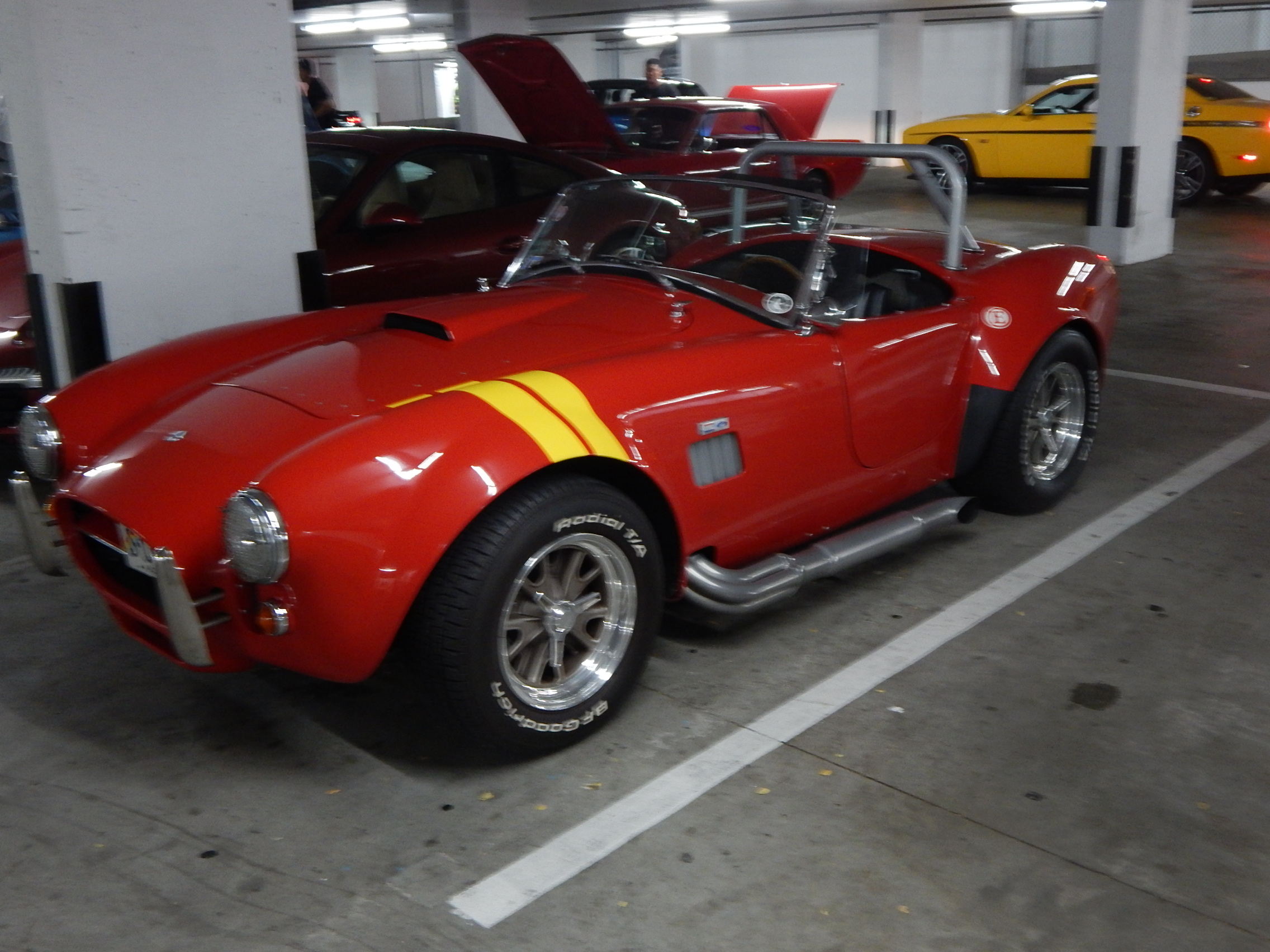 Red Shelby-Cobra_01.JPG