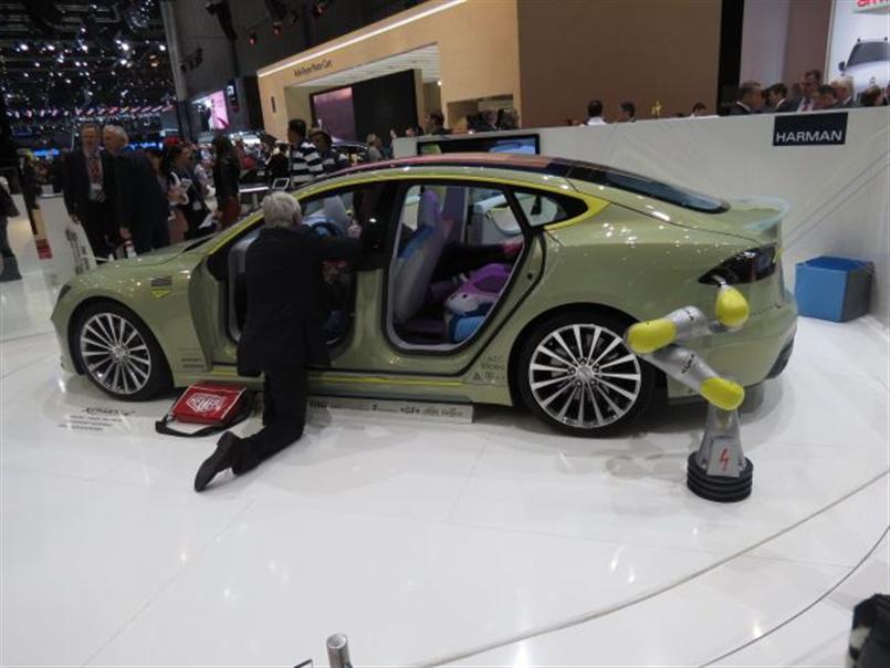 Rinspeed Tesla Model S-Based XchangE - Geneva Motor Show 2014 (6).jpg