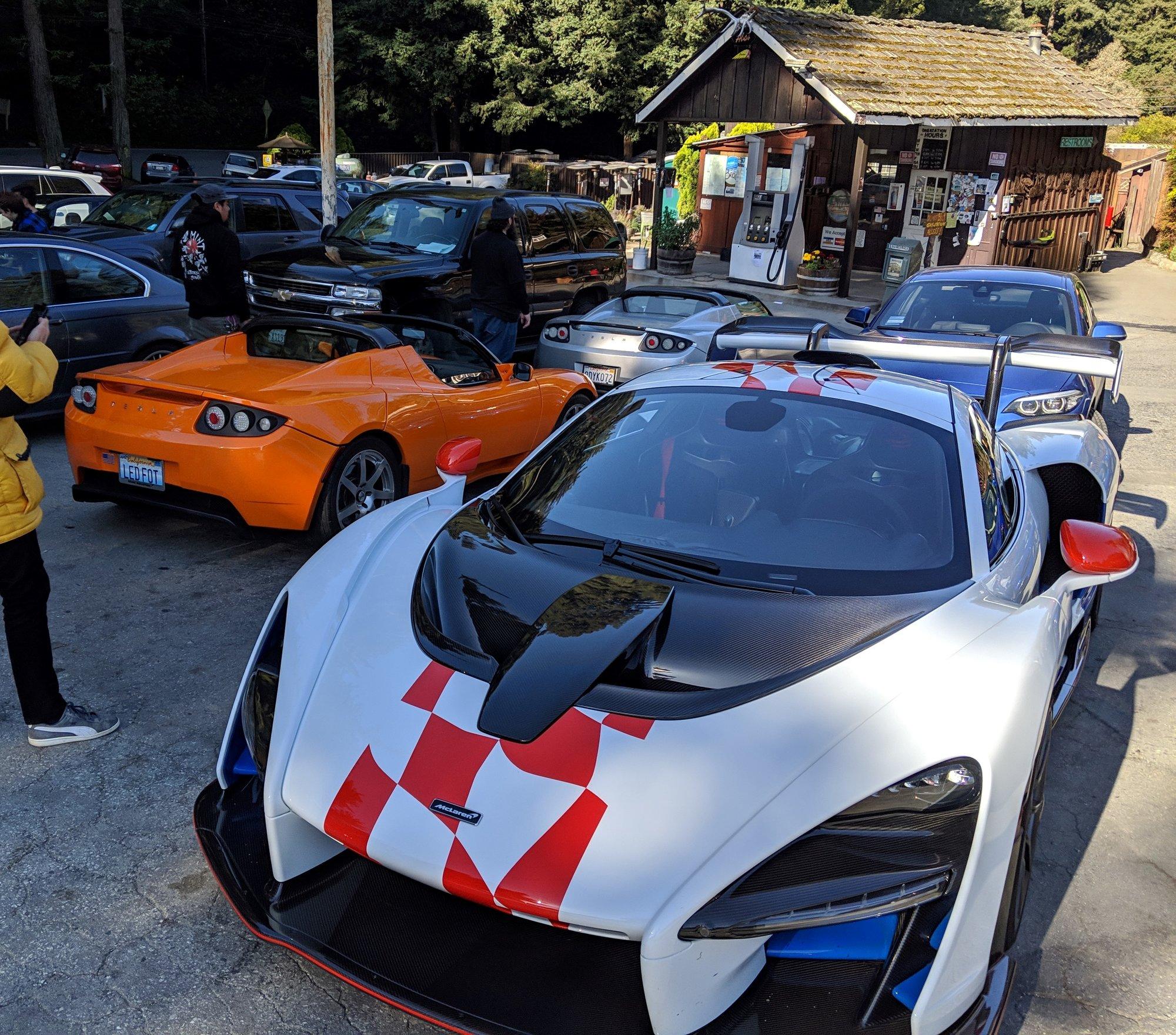 Roadster meetup pic.jpg