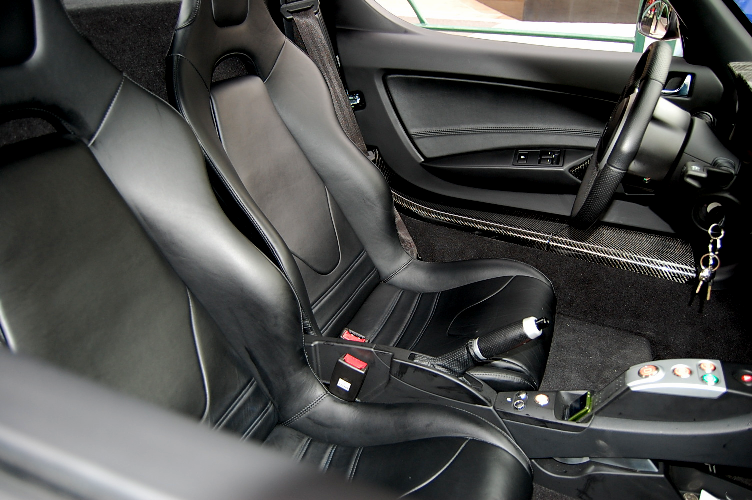 Roadster_InteriorFromSide20110306.png