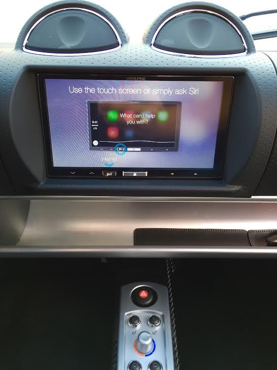 RoadsterAppleCaPlay14_zps75d25170.jpg